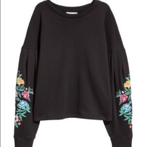 Final! H&M Embroidered floral sleeve sweatshirt M